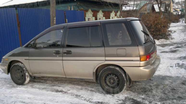 Nissan Prairie, 1990 год, 120 000 руб.