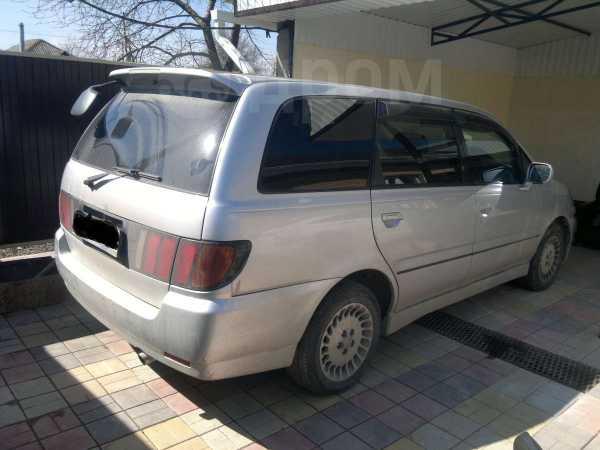 Nissan Bassara, 2001 год, 190 000 руб.