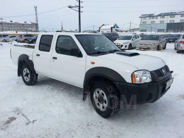 Nissan NP300, 2010 год, 710 000 руб.