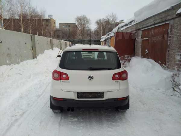 Volkswagen Tiguan, 2008 год, 690 000 руб.