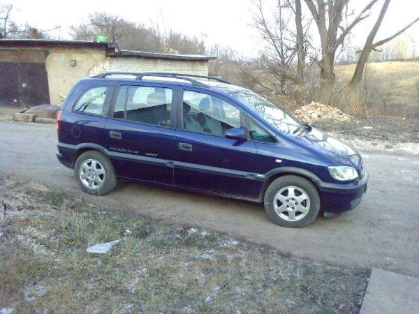 Opel Zafira, 2000 год, 250 000 руб.