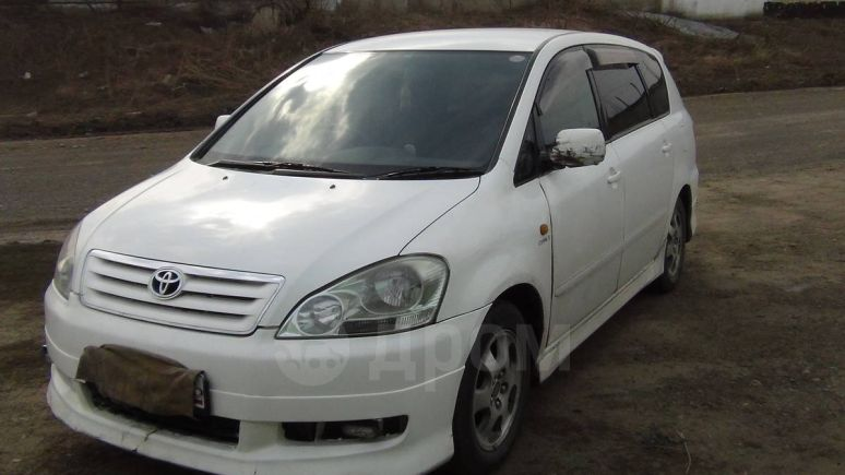 Toyota Ipsum, 2002 год, 335 000 руб.