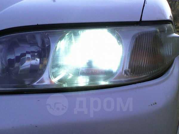 Nissan Avenir Salut, 2001 год, 245 000 руб.