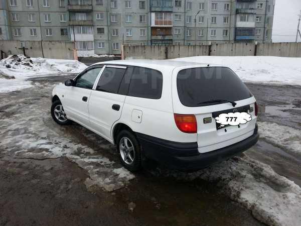 Toyota Caldina, 2000 год, 183 000 руб.
