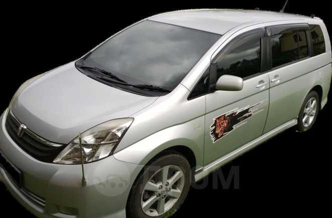 Toyota Isis, 2005 год, 430 000 руб.
