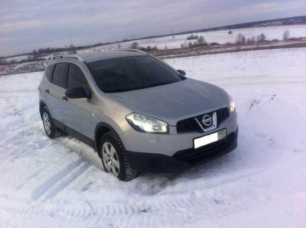 Nissan Qashqai+2, 2010 год, 700 000 руб.