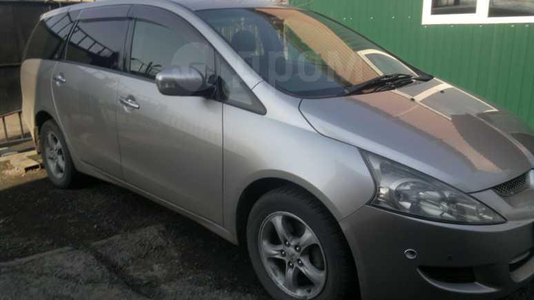 Mitsubishi Grandis, 2003 год, 400 000 руб.