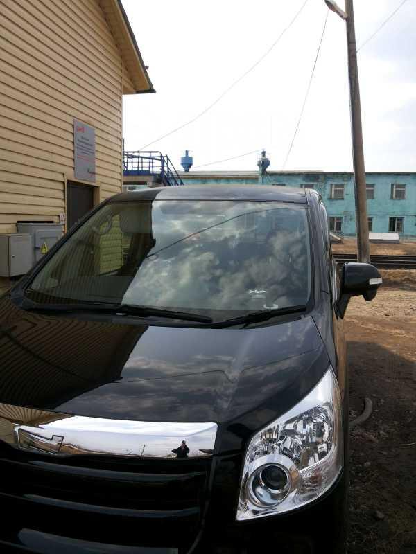 Toyota Noah, 2007 год, 700 000 руб.