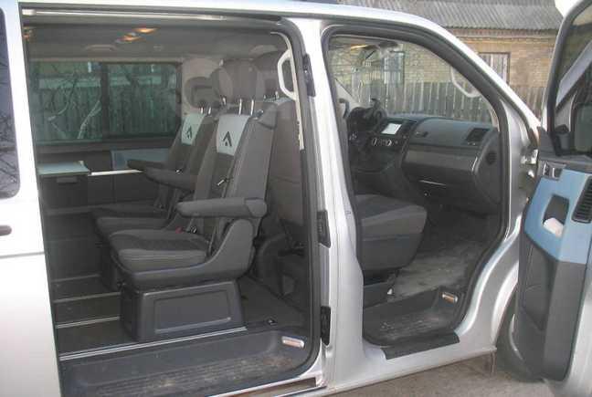 Volkswagen Transporter, 2009 год, 560 000 руб.