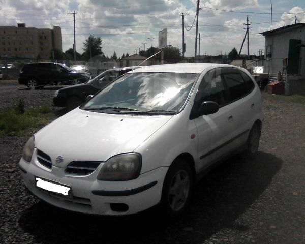 Nissan Tino, 2000 год, 280 000 руб.
