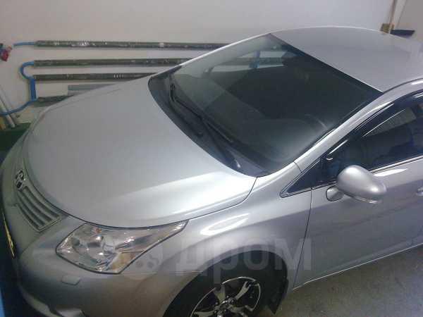 Toyota Avensis, 2009 год, 690 000 руб.