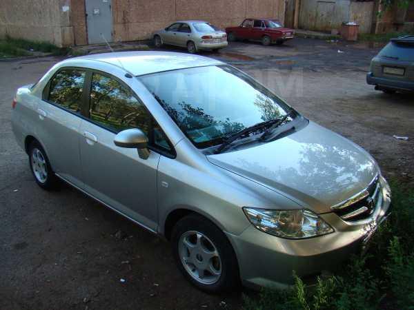 Honda Fit Aria, 2006 год, 365 000 руб.