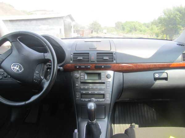 Toyota Avensis, 2006 год, 580 000 руб.