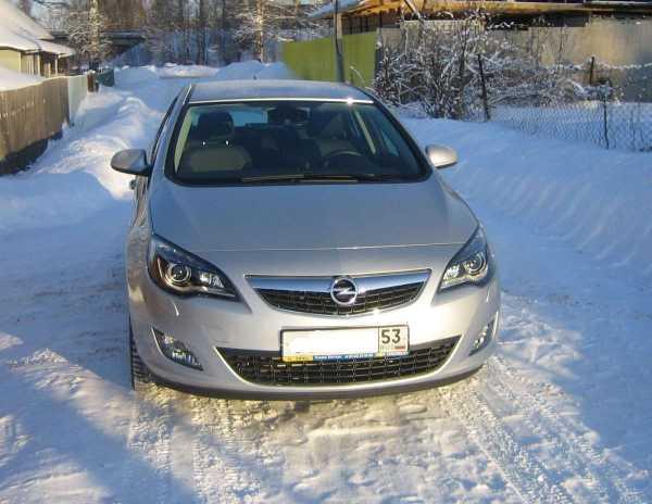 Opel Astra, 2011 год, 599 000 руб.