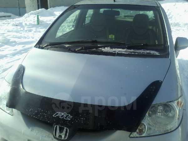 Honda Fit Aria, 2003 год, 270 000 руб.