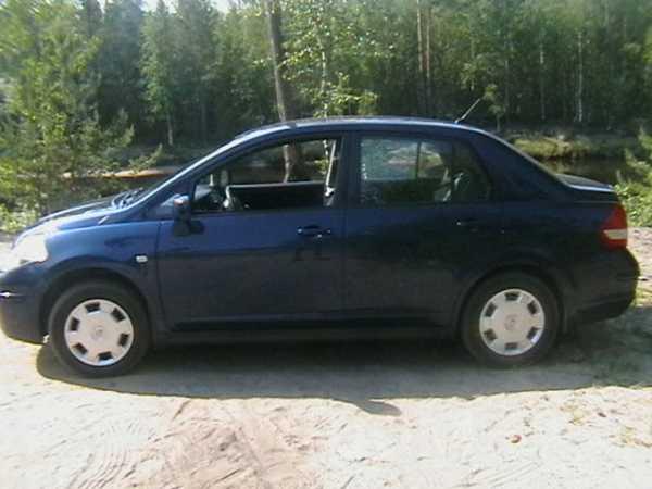 Nissan Tiida, 2010 год, 399 000 руб.
