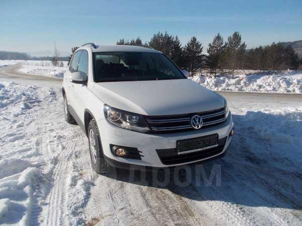 Volkswagen Tiguan, 2012 год, 940 000 руб.