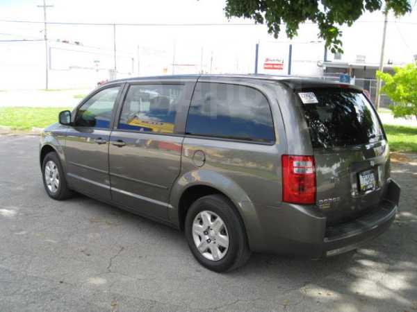 Dodge Caravan, 2010 год, 960 000 руб.