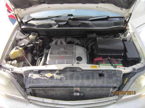 Toyota Harrier, 1998 год, 430 000 руб.
