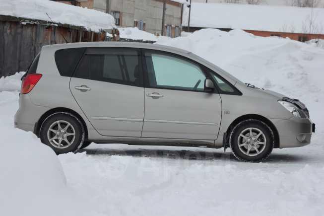 Toyota Corolla Spacio, 2001 год, 335 000 руб.