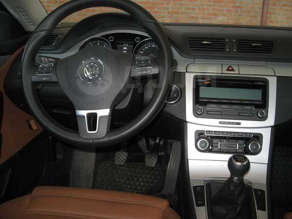 Volkswagen Passat CC, 2010 год, 897 000 руб.