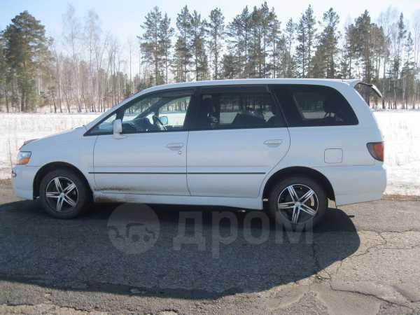 Nissan Bassara, 2001 год, 340 000 руб.