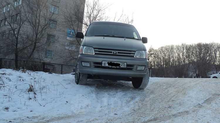 Toyota Town Ace Noah, 1997 год, 355 000 руб.