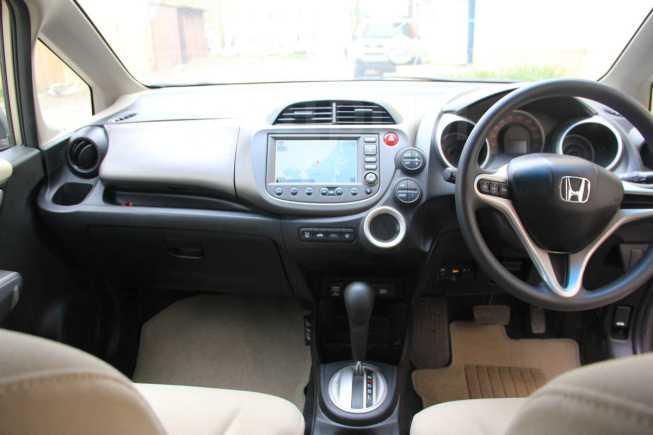 Honda Fit, 2009 год, 320 000 руб.