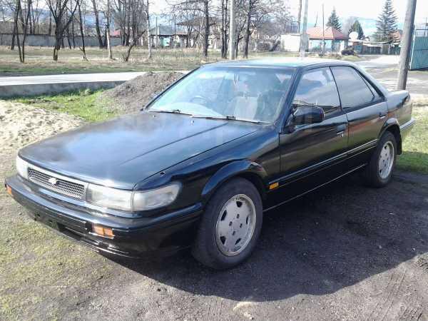 Nissan Bluebird, 1990 год, 100 000 руб.