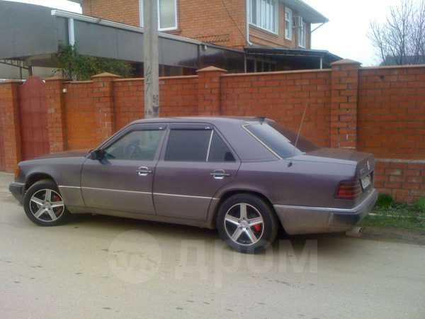 Mercedes-Benz E-Class, 1992 год, 193 000 руб.