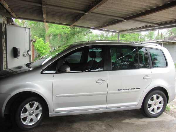 Volkswagen Touran, 2005 год, 520 000 руб.