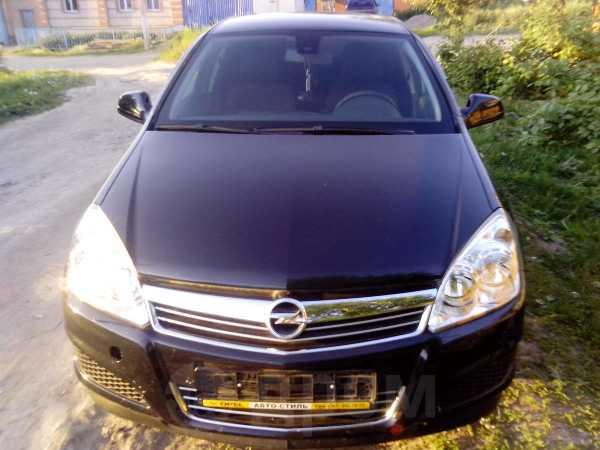 Opel Astra, 2012 год, 557 000 руб.