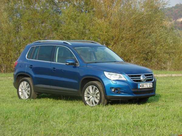 Volkswagen Tiguan, 2009 год, 850 000 руб.
