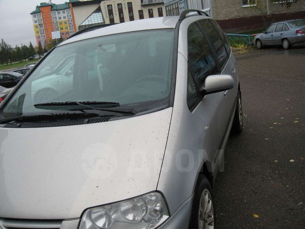 Volkswagen Sharan, 2001 год, 550 000 руб.