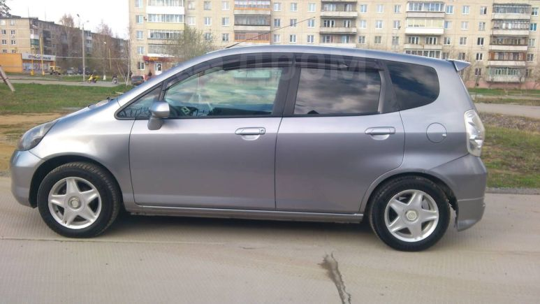 Honda Fit, 2003 год, 220 000 руб.