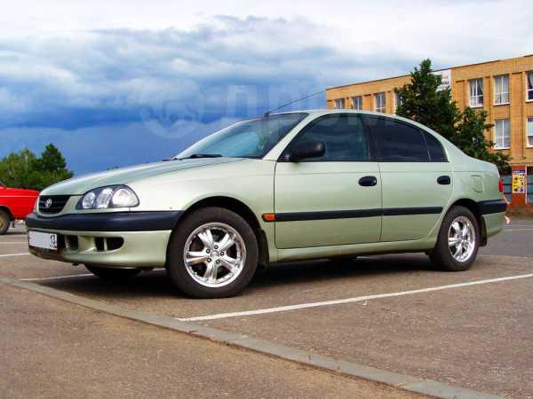 Toyota Avensis, 1999 год, 245 000 руб.