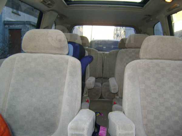 Nissan Presage, 1999 год, 1 000 000 руб.