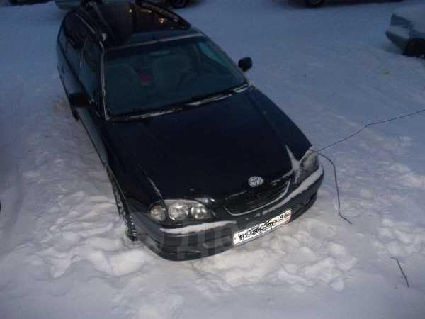 Toyota Avensis, 1999 год, 290 000 руб.