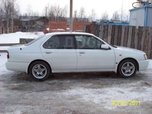 Nissan Bluebird, 2000 год, 260 000 руб.