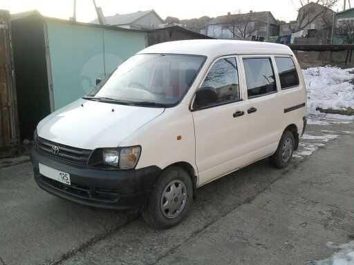 Toyota Town Ace Noah, 1997 год, 189 000 руб.
