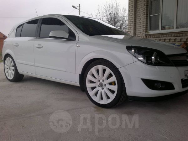 Opel Astra, 2009 год, 560 000 руб.