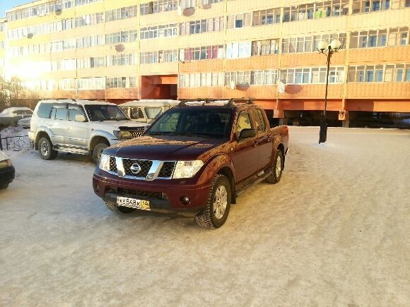 Nissan Navara, 2007 год, 900 000 руб.