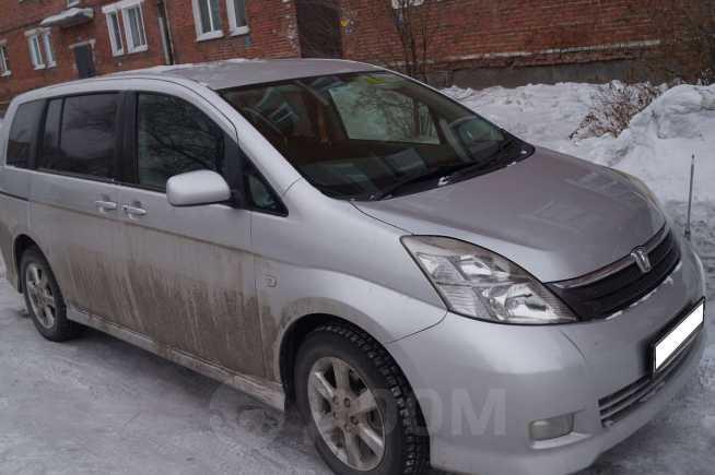 Toyota Isis, 2006 год, 615 000 руб.