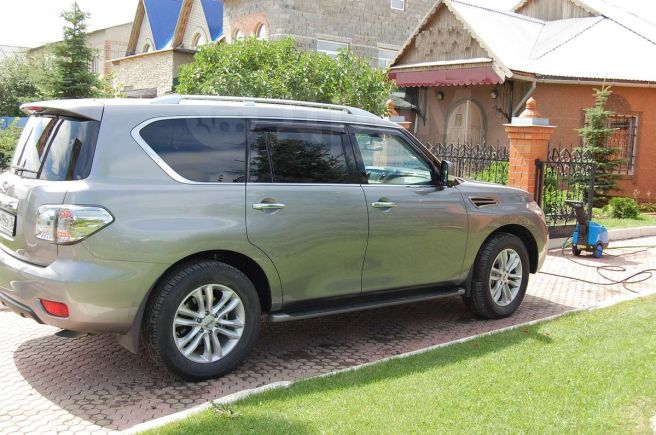 Nissan Patrol, 2012 год, 2 700 000 руб.
