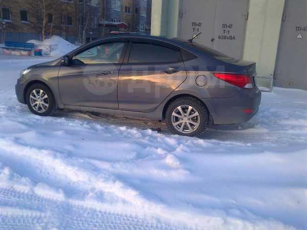 Hyundai Solaris, 2011 год, 560 000 руб.