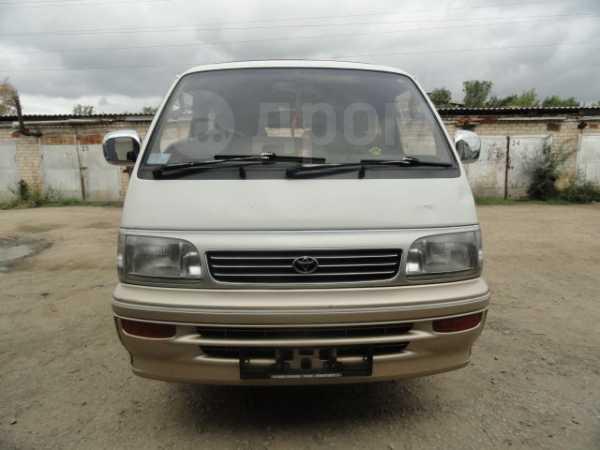 Toyota Hiace, 1995 год, 390 000 руб.