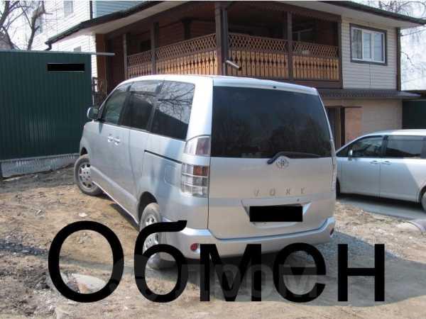 Toyota Voxy, 2003 год, 420 000 руб.