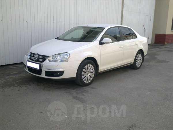Volkswagen Jetta, 2010 год, 590 000 руб.