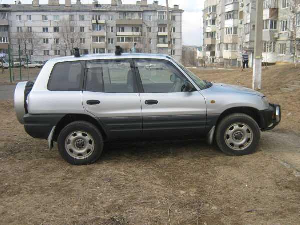 Toyota RAV4, 1996 год, 300 000 руб.