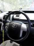 Toyota Noah, 2010 год, 700 000 руб.